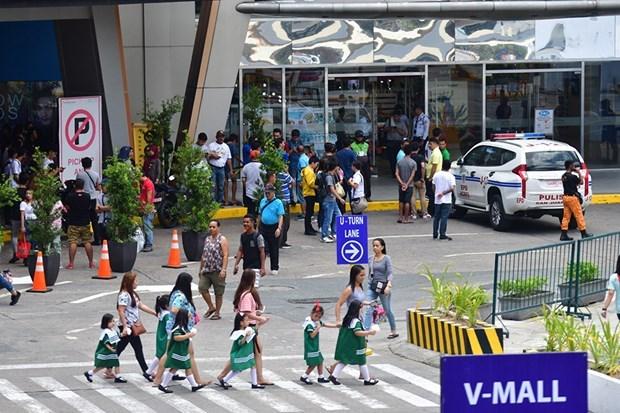 Decenas de personas tomadas como rehenes en centro comercial en capital filipina hinh anh 1
