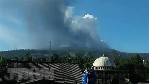 Indonesia suspende actividades de aeropuerto en isla de Java por erupcion volcanica hinh anh 1