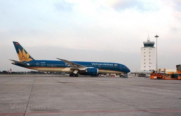 Aviacion civil de Vietnam se esfuerza por compensar perdidas causadas por COVID-19 hinh anh 1