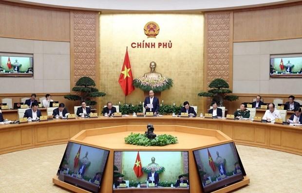 Premier de Vietnam orienta tareas para asegurar progreso socioeconomico ante impacto de COVID-19 hinh anh 1