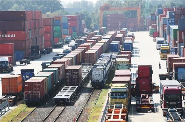 Hanoi evalua medidas para impulsar desarrollo economico pese a impacto del COVID-19 hinh anh 1