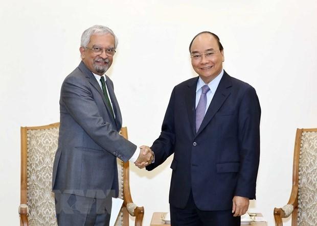 Vietnam dispuesto a contribuir a resolver temas candentes mundiales, afirma su premier hinh anh 1