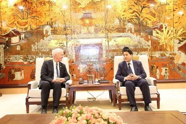 Refuerza Hanoi cooperacion con localidades suizas hinh anh 1