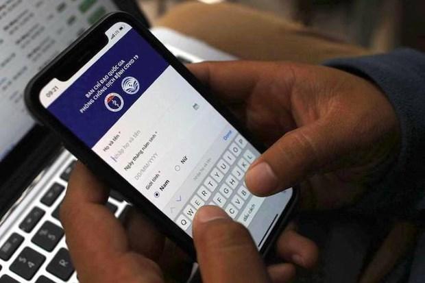 Lanzan en Vietnam aplicacion de telefonos moviles sobre el COVID-19 hinh anh 1
