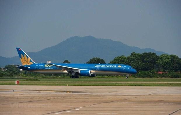 Vietnam Airlines continua transportando pasajeros vietnamitas desde Europa hinh anh 1