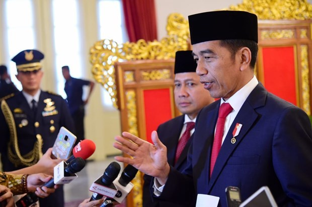 Indonesia emplea fondos para ayudar a personas afectadas por COVID-19 hinh anh 1