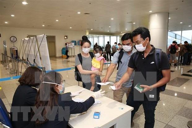 Vietnam realiza pruebas de coronavirus en los aeropuertos hinh anh 1