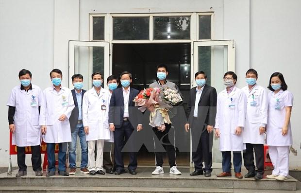 Recibe alta medica paciente numero 18 del coronavirus en Vietnam hinh anh 1