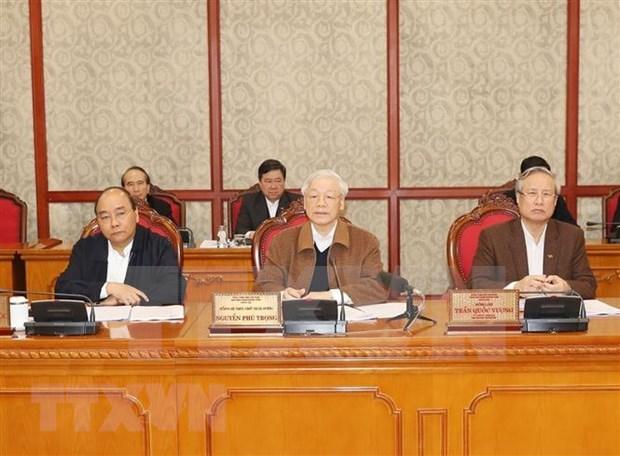 Buro Politico del organo rector del Partido Comunista de Vietnam evalua lucha contra el COVID-19 hinh anh 1