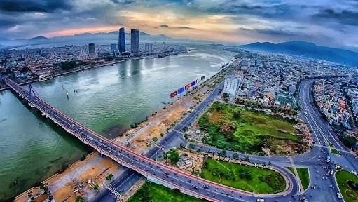 Da Nang trabaja para convertirse en polo socioeconomico de Vietnam hinh anh 1