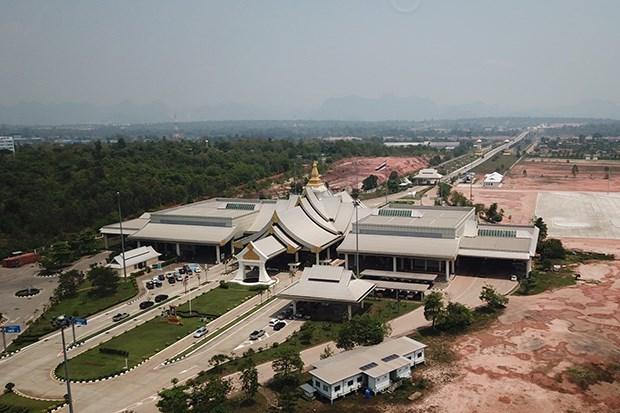 Cierran puente de amistad Tailandia-Laos por COVID-19 hinh anh 1