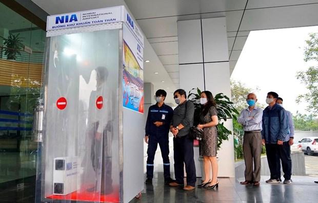 Instalan en aeropuerto de Hanoi camara de desinfeccion corporal hinh anh 1