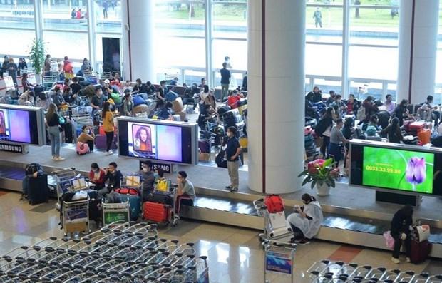 Suspenden temporalmente traslado de vietnamitas del exterior a Ciudad Ho Chi Minh hinh anh 1