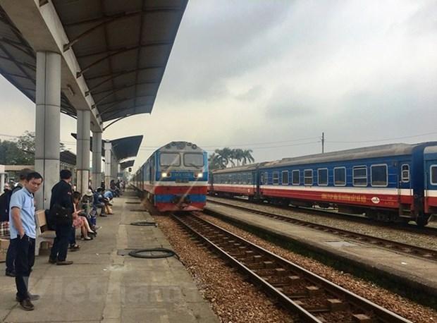Suspenden varios itinerarios de trenes en Vietnam por COVID-19 hinh anh 1