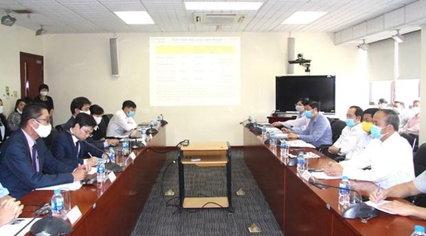 Buscan soluciones para empresas automotrices en la provincia de Vinh Phuc hinh anh 1