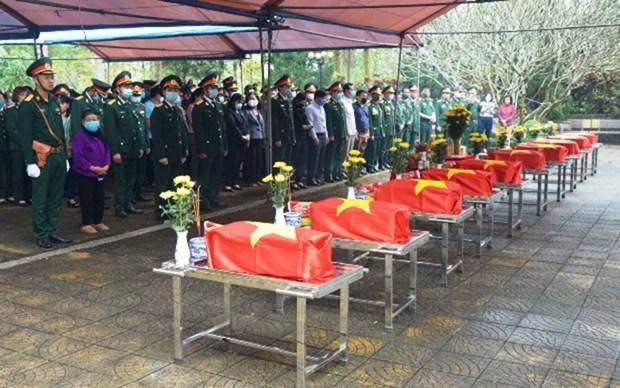 Celebran en provincia vietnamita homenaje postumo a martires caidos hinh anh 1