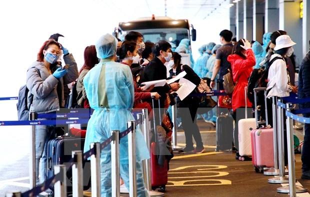 Aeropuerto de Noi Bai suspende recepcion de vuelos con ciudadanos vietnamitas desde extranjero hinh anh 1