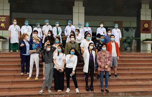 Vietnam suma otros 27 pacientes recuperados del COVID-19 hinh anh 1