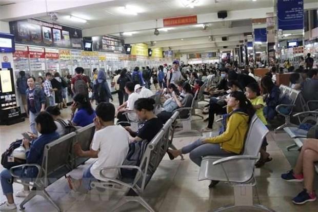 Limitan transporte de pasajeros desde y hacia Hanoi y Ciudad Ho Chi Minh hinh anh 1