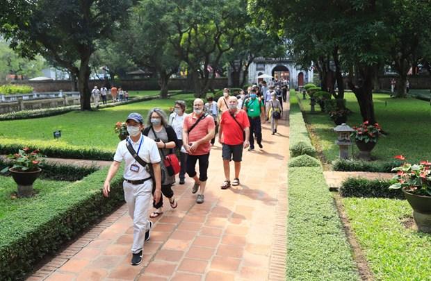 Hanoi refuerza medidas de prevencion y control de COVID-19 en turismo hinh anh 1