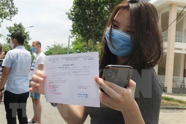 Otros tres pacientes de COVID-19 dados de alta en Vietnam, suman 55 en total hinh anh 1