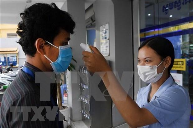 Aumenta a 107 numero de personas infectadas por COVID-19 en Camboya hinh anh 1