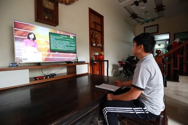 Hanoi impulsa ensenanza por internet ante impactos de COVID-19 hinh anh 1