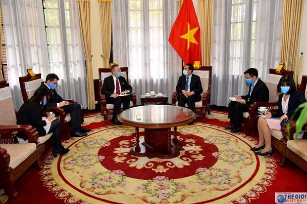 Vietnam y Republica Checa colaboran para enfrentar la epidemia de COVID-19 hinh anh 1