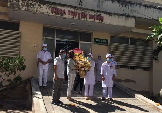 Reciben alta medica otros 10 pacientes de COVID-19 en Vietnam hinh anh 1