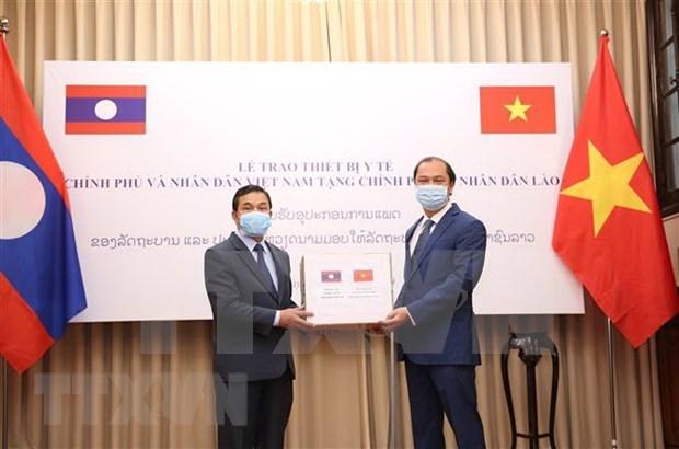 Vietnam apoya a Laos y Camboya en combate contra COVID-19 hinh anh 1