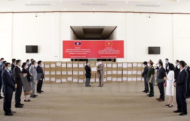 Aprecian respaldo de Vietnam a Laos en combate contra COVID-19 hinh anh 1