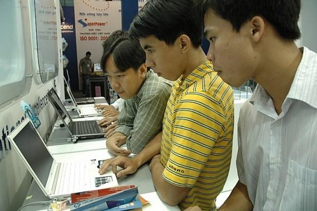 Venta de computadoras en Vietnam registra fuerte aumento por el COVID-19 hinh anh 1