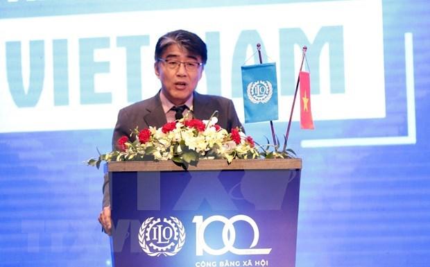 OIT Vietnam respalda a Gobierno, empleadores y trabajadores en medio de COVID-19 hinh anh 1