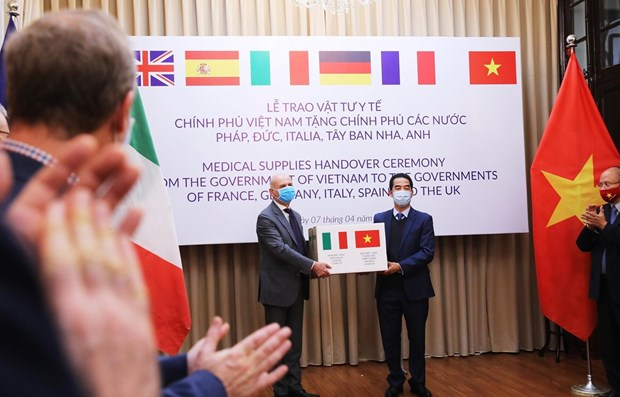 Agradecen a Vietnam por asistir a Italia frente al COVID-19 hinh anh 1