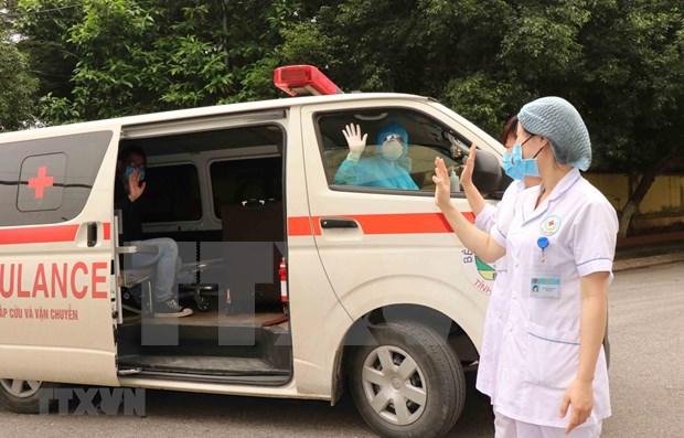 Numero de casos recuperados del COVID-19 supera al de infectados en Vietnam hinh anh 1