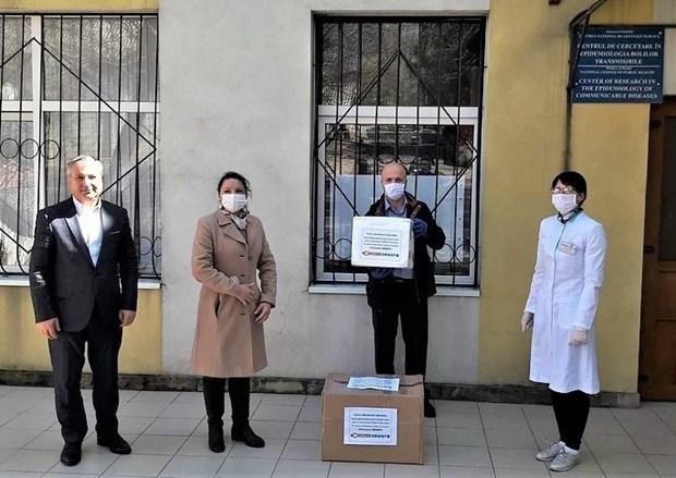 Presenta empresa vietnamita 600 kits de prueba de SARS-CoV-2 a Moldavia hinh anh 1