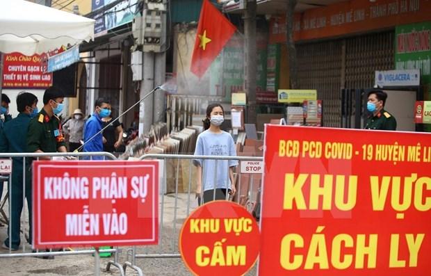 Despliegan 15 equipos de respuesta rapida a nuevo epicentro del COVID-19 en Hanoi hinh anh 1