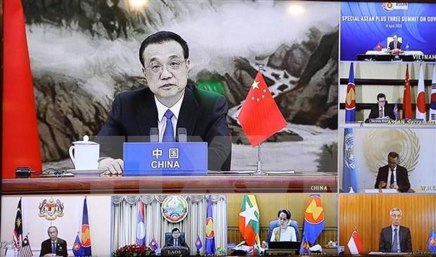 ASEAN 2020: Premier chino llama a esfuerzos conjuntos contra COVID-19 hinh anh 1