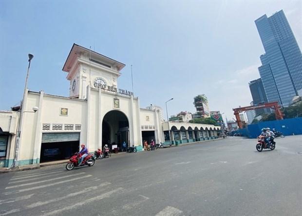 Mayoria de los vietnamitas acuerdan extender el distanciamiento social para detener la pandemia hinh anh 1