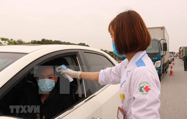 Bac Ninh recibe y supervisa a tecnicos extranjeros hinh anh 1