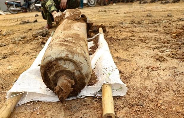 Desactivan una bomba de 100 kilogramos en provincia vietnamita hinh anh 1