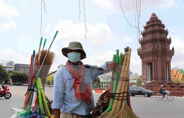 Empresas pequenas en Phnom Penh enfrentan grandes dificultades por COVID-19 hinh anh 1