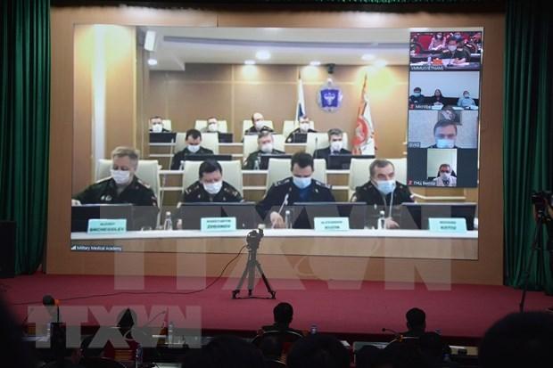 Ministerios de Defensa de Vietnam y Rusia intercambian experiencias para repeler al COVID-19 hinh anh 1