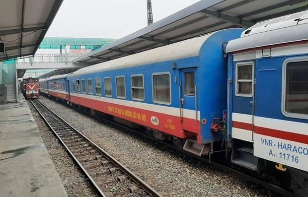 Trenes reanudan operaciones en Vietnam despues del distanciamiento social hinh anh 1
