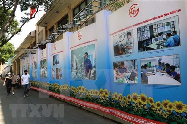 Exposicion fotografica en Ciudad Ho Chi Minh conmemora acontecimientos nacionales hinh anh 1