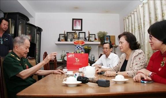 Presidenta del Parlamento visita a Madres Heroicas en Ciudad Ho Chi Minh hinh anh 1