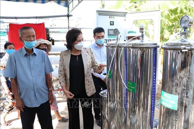 Presidenta parlamentaria asiste a la entrega del purificador de agua a la poblacion afectada por sequia hinh anh 1