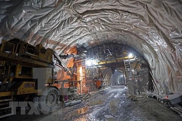 Entrara en funcionamiento prontamente tramo ampliado del tunel vietnamita de Hai Van hinh anh 1