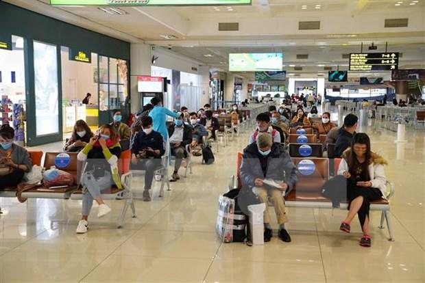 Aumento numero de vuelos en aeropuerto internacional de Noi Bai hinh anh 1