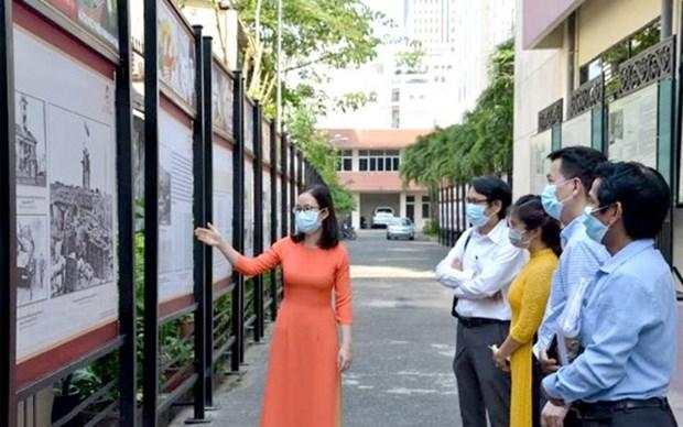 Presentan en Vietnam exposicion virtual por Dia de Liberacion del Sur y Reunificacion Nacional hinh anh 1